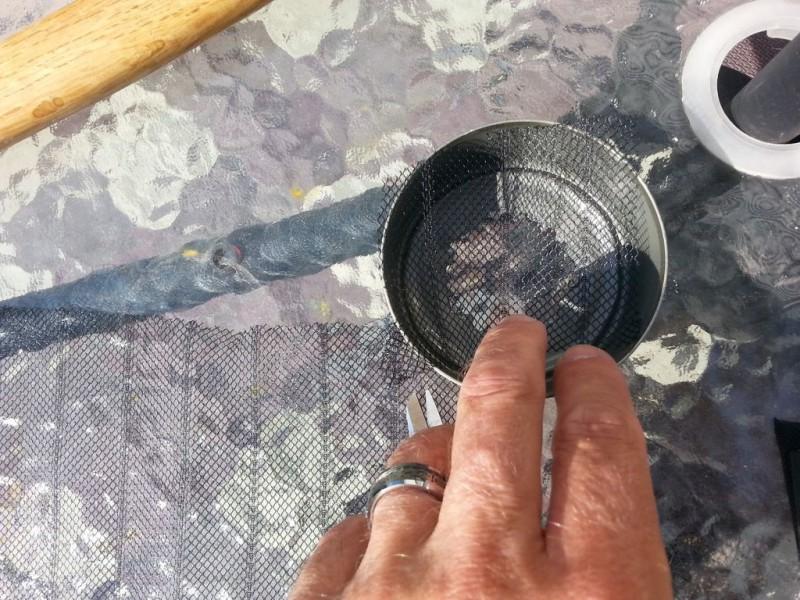 kak-sdelat-filtr-dlya-vodyi-iz-konservnyih-banok11