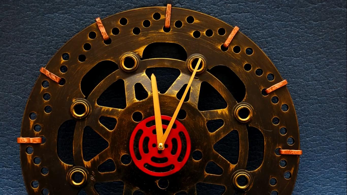 Оригинальные настенные часы своими руками Дизайн 20