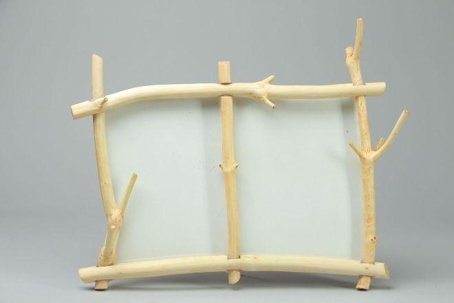 Рамка из веточек дерева