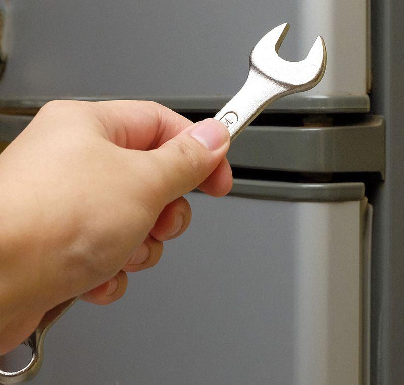 Как перевесить дверь холодильника Самсунг